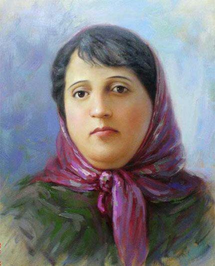 ما ایرانیها روی گنج ادب فارسی ایستادهایم که یکی از آنها، پروین اعتصامی است. پروین شاعری است که مائده آسمانی را گرفته و بر سر سفره ادبیات گذاشته است. تمام کلام او، درس اخلاق و انسانیت است.