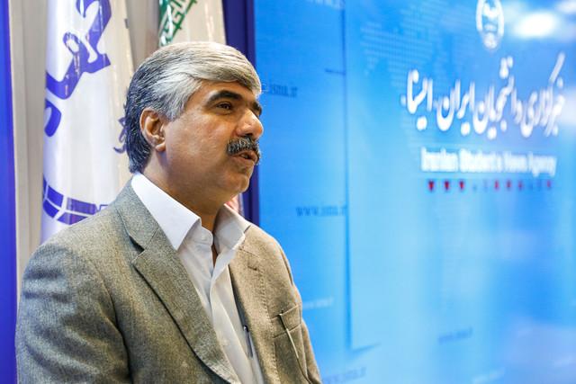 نماینده زرتشتیان در مجلس شورای اسلامی: فرهنگ ایران در جهت احترام به انسانیت به گونهای است که همه ما در کنار هم زندگی میکنیم و برای پیشرفت کشورمان تلاش میکنیم.