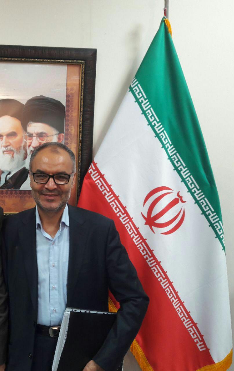 حمیدرضا موحدی زاده نائب رئیس شورای شهر مشهد در دومین جلسه صحن علنی شورا، نطق پیش از دستور خود را قرائت کرد .